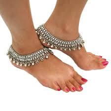 Emily Bett Rickards, thin anklets in Austria, best Body Piercing Jewelry