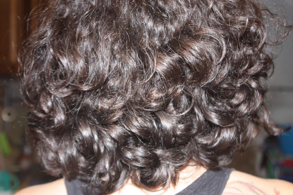 El cuidado de los cabellos de la máscara para los cabellos de la arcilla
