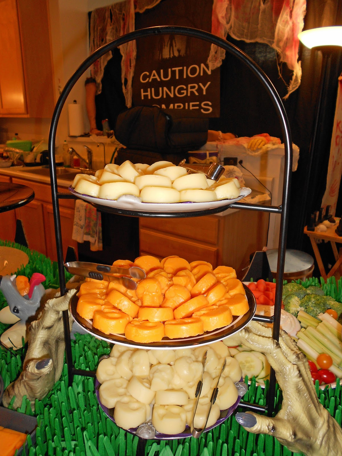 Zombie party party planning ideas for your zombie themed event halloween party food ideas forumfinder