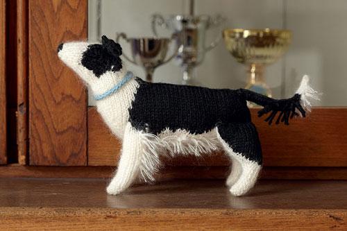 Simpatico perrito tejido a mano
