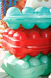 Boîtes à œufs vintage, bleu, rouge & mint