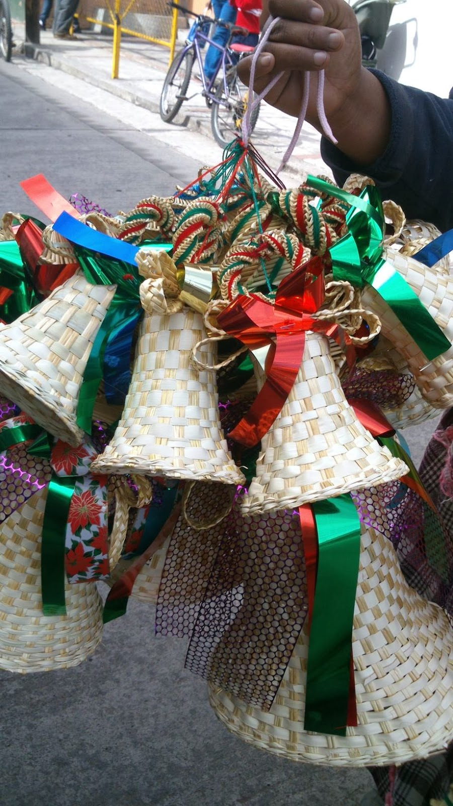 Jaime ramos m ndez artesan as navide as en tanganc cuaro for Artesanias navidenas
