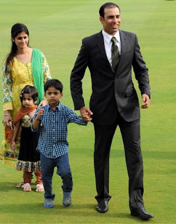 Laxman retirement with his family