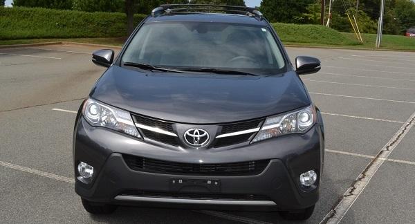 2015 Toyota rav4 front