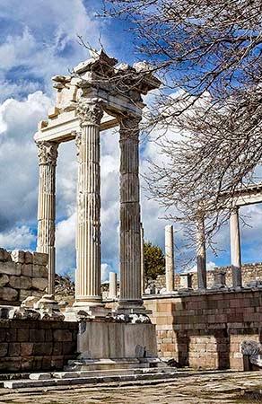 Bergama Trajan Temple
