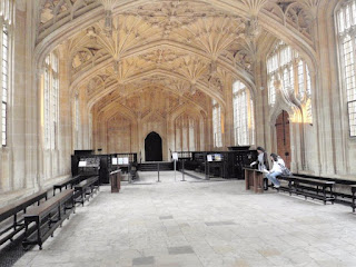 Room at Bodleian College at Oxford in which Professor McGonagall teaches Ron how to dance before the Yule Ball in HP4