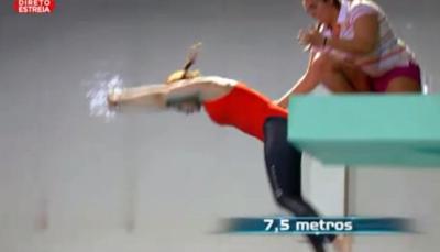 Sónia Brazão dá chapa de costas a 7,5 metros de altura