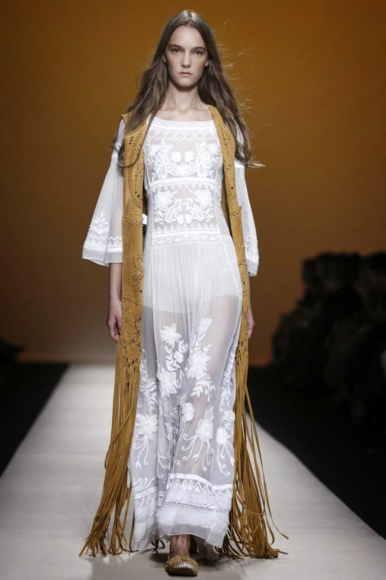 "alt=""Alberta Ferretti spring summer 2015, Alberta Ferretti ss15, Alberta Ferretti, Alberta Ferretti ss15 mfw, Alberta Ferretti mfw, mfw, mfwss15, mfw2014, fashion week, milan fashion week, milano fashion week, du dessin aux podiums, dudessinauxpodiums, vintage look, dress to impress, dress for less, boho, unique vintage, alloy clothing, venus clothing, la moda, spring trends, tendance, tendance de mode, blog de mode, fashion blog,  blog mode, mode paris, paris mode, fashion news, designer, fashion designer, moda in pelle, ross dress for less, fashion magazines, fashion blogs, mode a toi, revista de moda, vintage, vintage definition, vintage retro, top fashion, suits online, blog de moda, blog moda, ropa, asos dresses, blogs de moda, dresses, tunique femme,  vetements femmes, fashion tops, womens fashions, vetement tendance, fashion dresses, ladies clothes, robes de soiree, robe bustier, robe sexy, sexy dress"""