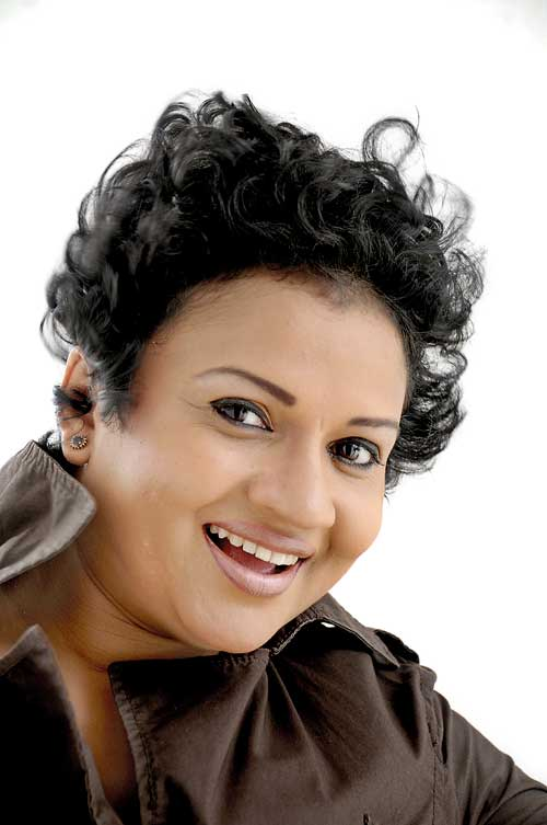srilanka actress semini iddamalgoda hot photos http://hot-lankan-actress.blogspot.com/2011/11/semini-iddamalgodamature-lanka-actress.html