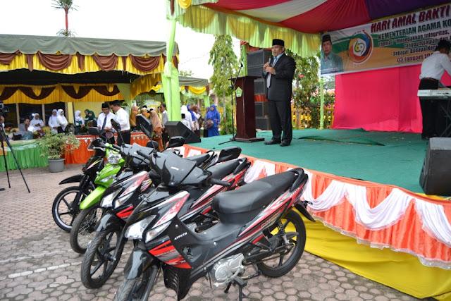 HAB Kemenag Ke 69 Walikota Tanjung Balai Serahkan Empat Unit Sepeda Motor