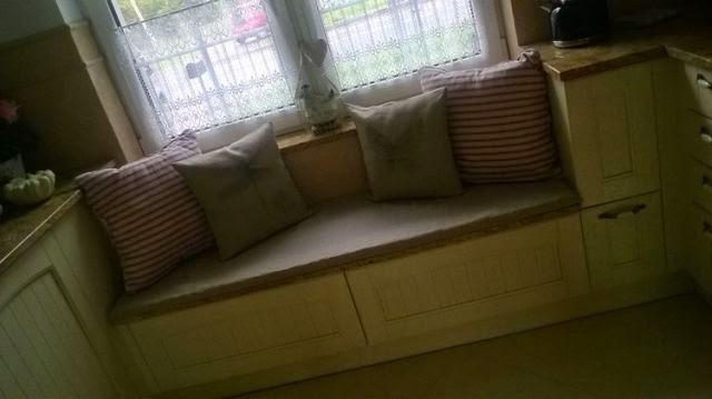 lniane poduszki z grafiką , poduszki shabby schic , len , siedzisko na ławkę z lnu