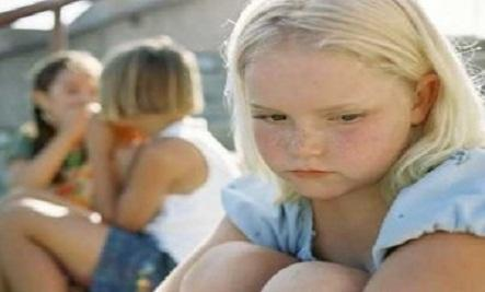 An Open Letter To Mean People Everywhere - lonely girl kid child sad loner