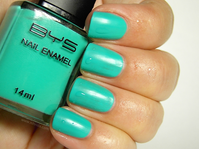 BYS Colour Change Nail Enamel in Blue