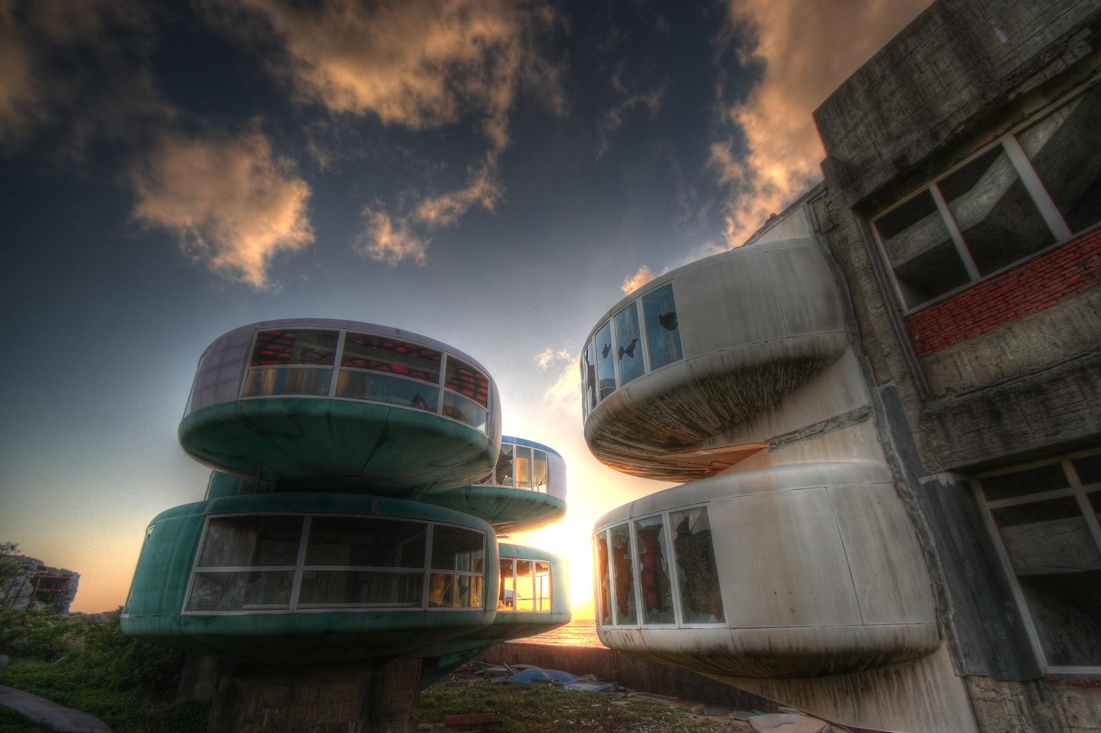 Risultati immagini per ruins of the future
