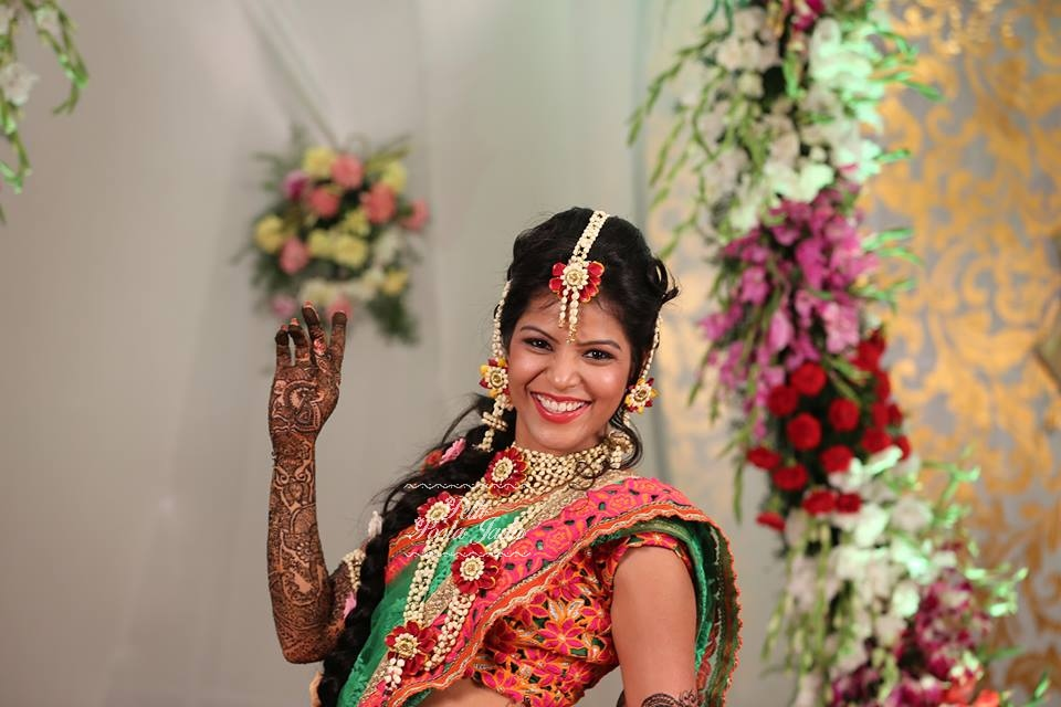 I Mehndi Flower Jewelry : Things to know about floral jewellery khoobsurati