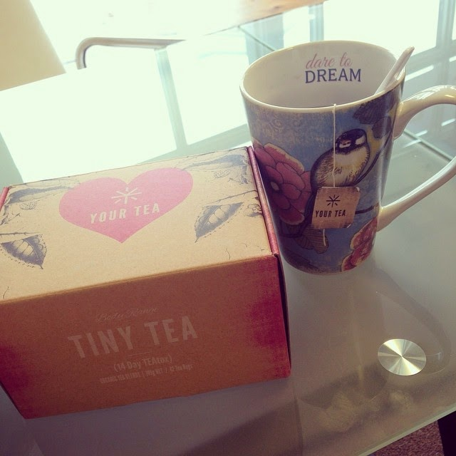 avis sur le tiny tea par i am a fashioneer tiny tea. Black Bedroom Furniture Sets. Home Design Ideas