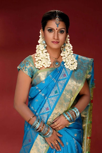 TV ACTRESS AMMU LATEST SAREE STILLS GALLERY