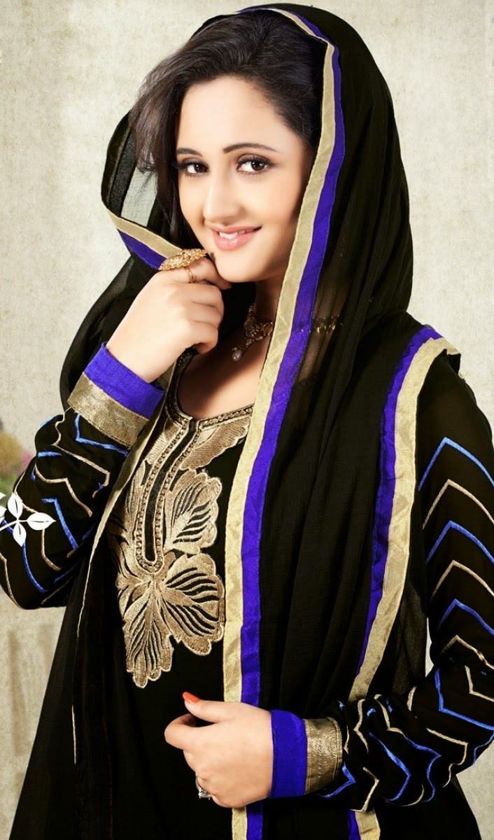 Beautiful Rashami Desai HD Wallpaper
