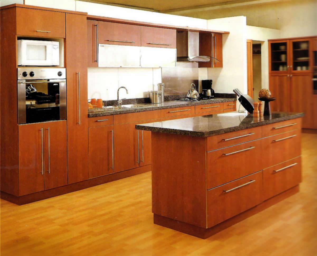 Alfombras rubio 39 s piso laminado for Imagenes de muebles de cocina americanas