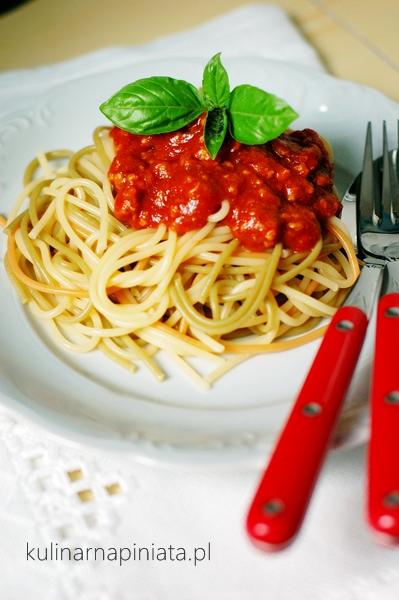 Przepis na spaghetti w sosie neaoplitańskim