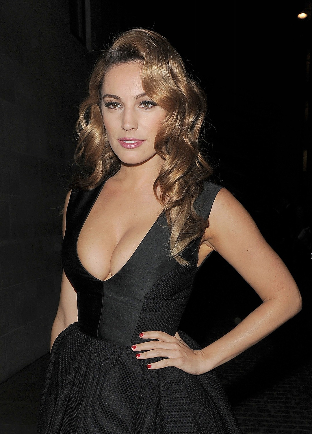 Kelly Brook Cleavage Is Just Perfect