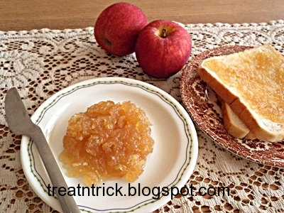 Quick Apple Jam Recipe @ treatntrick.blogspot.com