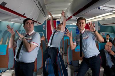 los amantes pasajeros música i´m so excited Almodóvar coreografía azafatos canción