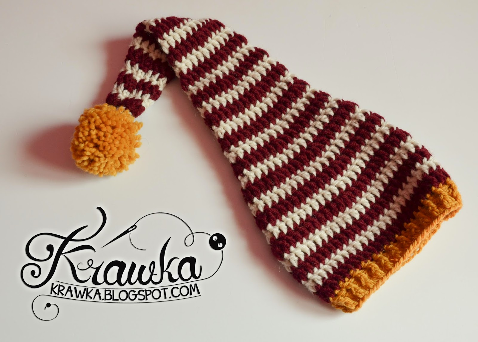 Krawka: Crochet gryffindor elf newborn hat. Props for a photo session of a newborn baby.