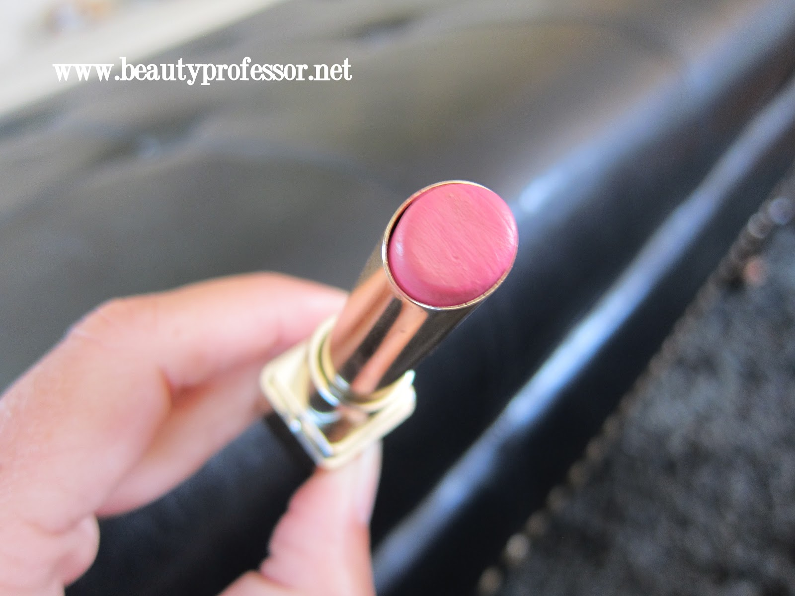 Loreal color caresse by color rich lipstick - Cotton Pink Is A Light Cool Bubblegum Pink With Some Shimmer Excellent Color Payoff With Just One Swipe