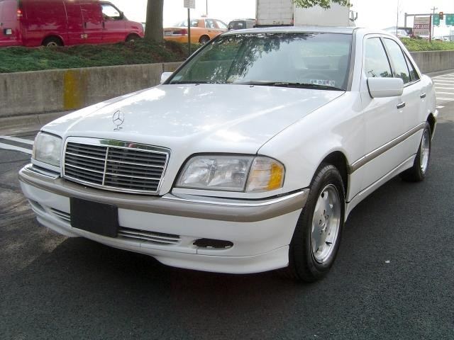 Mercedes benz c class owners manual 2000 free download for Mercedes benz owners