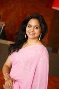 Singer Sunitha dazzling saree photos-thumbnail-1