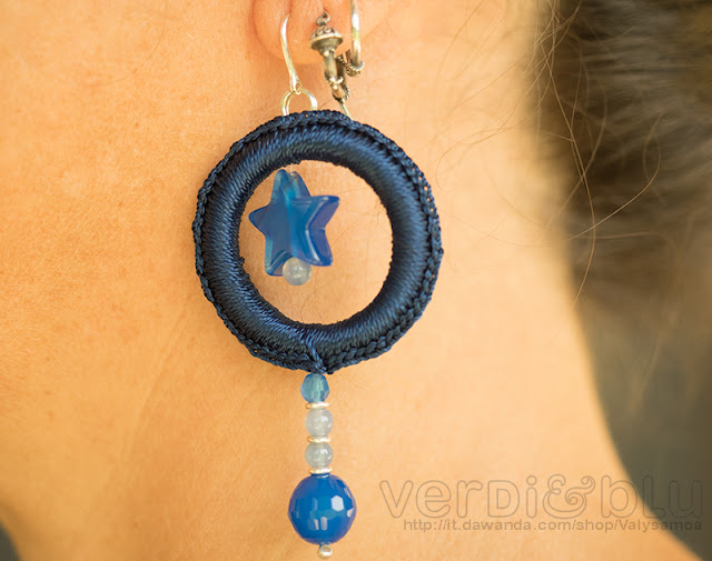 orecchini crochet total blue agata blu, argento