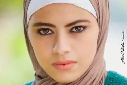 21 Foto Wanita Berhijab Terlihat Lebih Cantik, lebih tenang dan sejuk di pandang mata