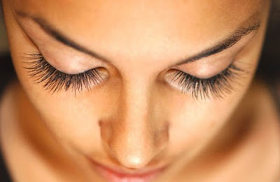 Curl Eyelashes Without Tools