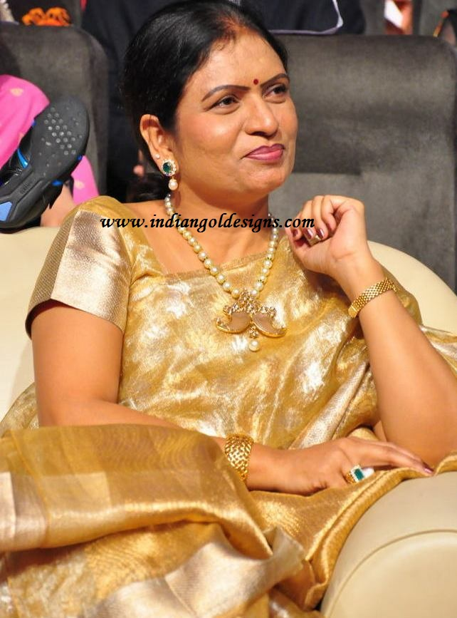 Gold and Diamond jewellery designs Minister Dk Aruna in south sea