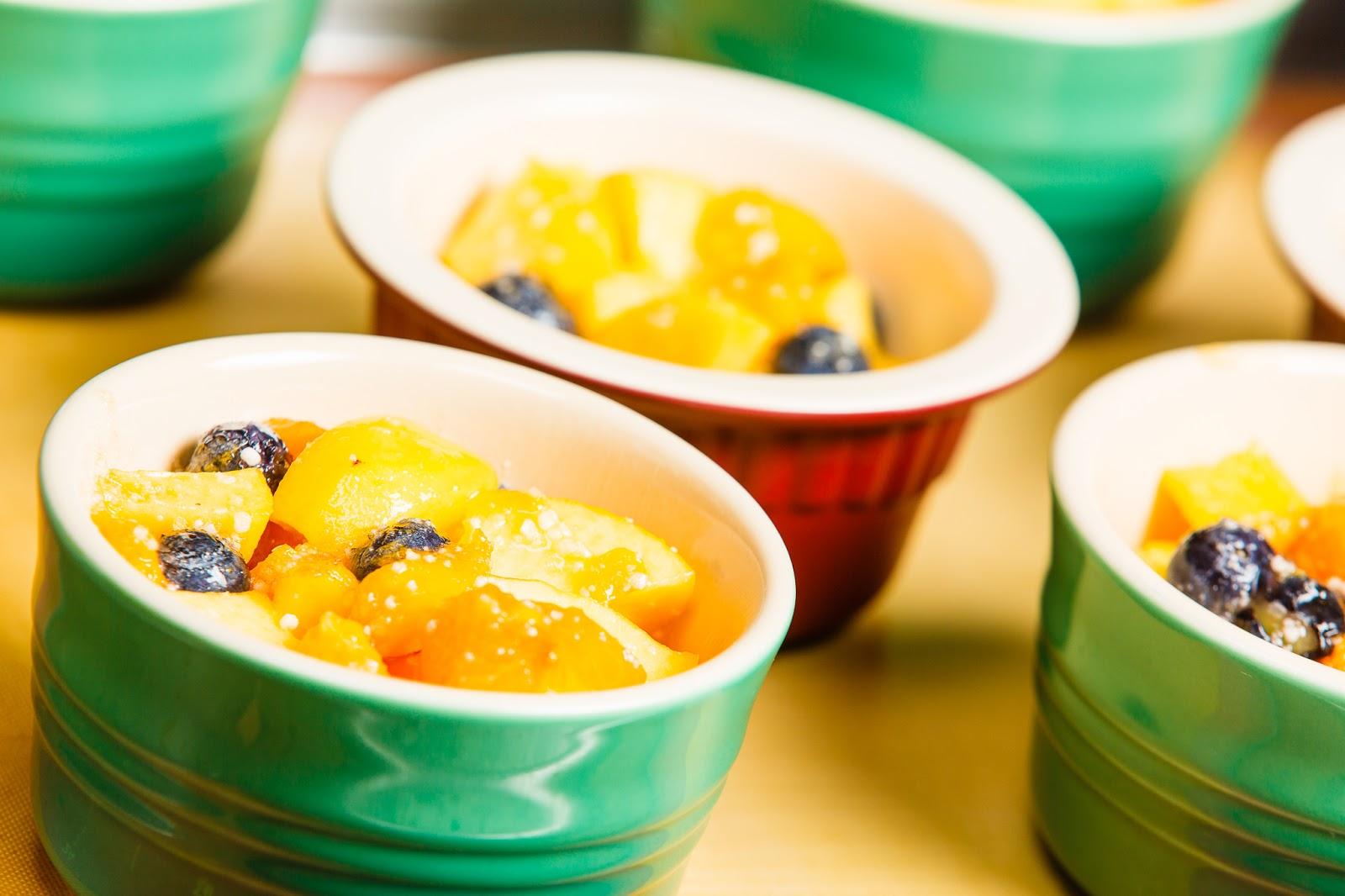 kruizing with kikukat: Cleaning out the Fridge: Fruit Crisp