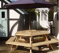 Πώς μπορούμε να κατασκευάσουμε εξάγωνο τραπέζι κήπου;