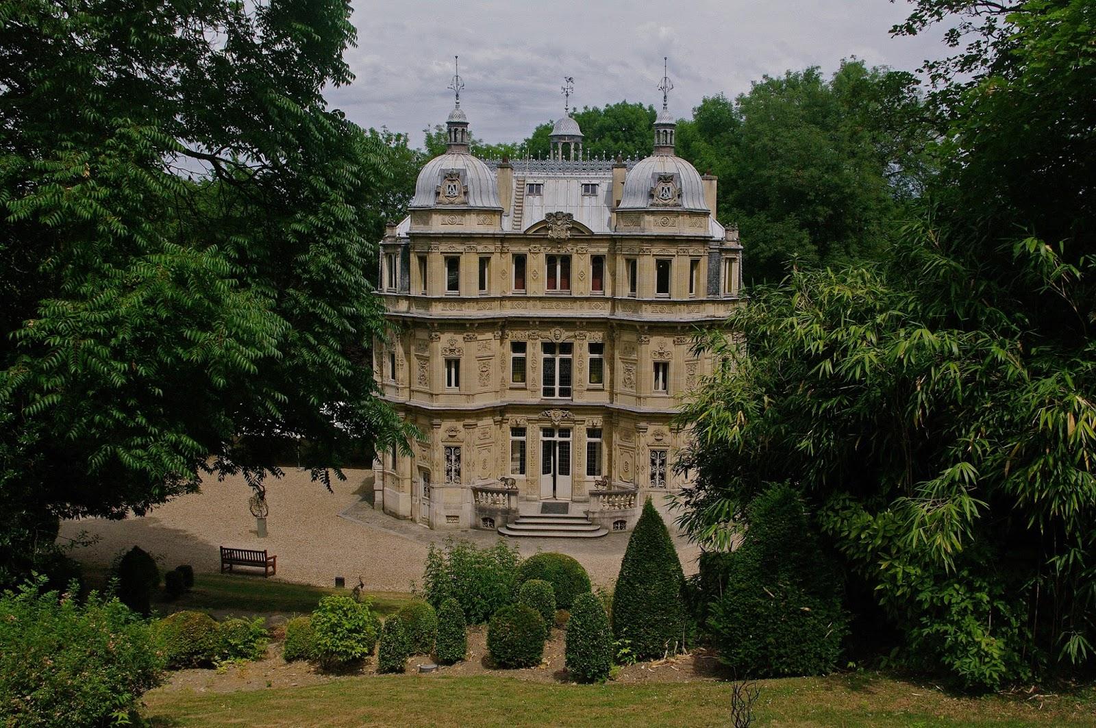 Charmes m connus du hurepoix le ch teau de monte cristo for Chateaux yvelines visites