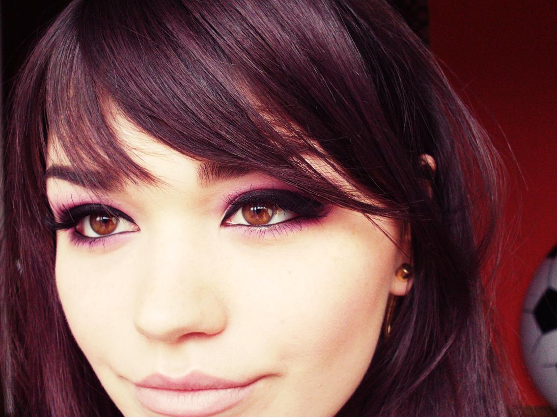 http://1.bp.blogspot.com/-A7LoxGaRx6g/T37j9RxdSmI/AAAAAAAADFc/6KYUmw6-xV8/s1600/purple-smoky-eye-tutorial.jpg