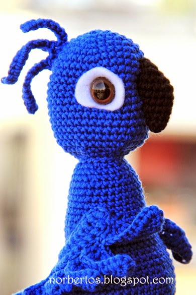 Parrot Knitting Pattern Free : Parrot BLU from RIO free pattern! Sweet crocheting time