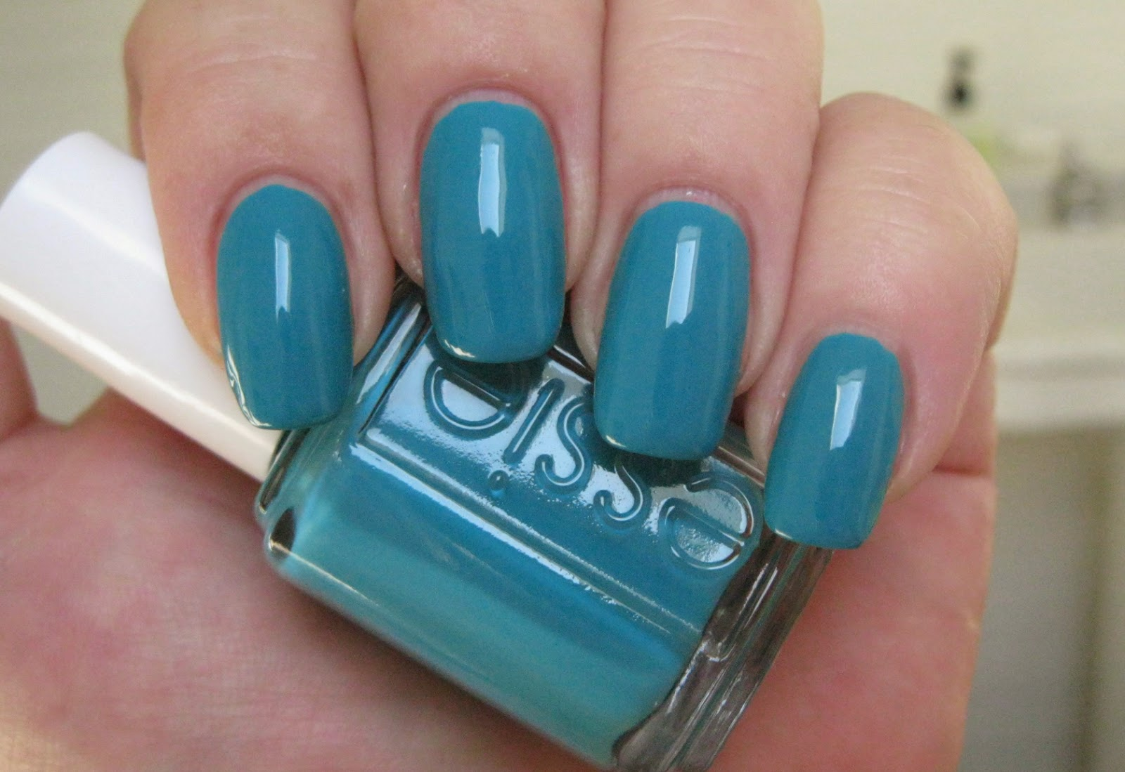 Lacquer Slacker Liz: Essie Garden Variety and Girly Bits You Spin Me ...