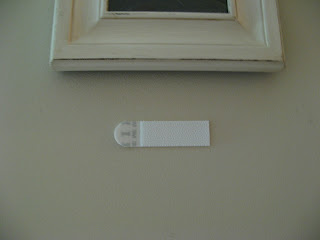 Hanging Table Frame on Wall - 3M Command Strips