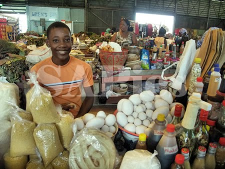 Young boy vendor market vendedor surinam