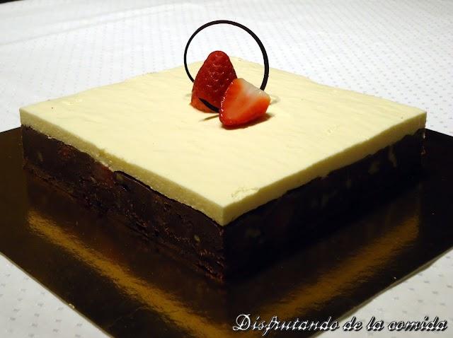 Brownie de Fresas y Bavaroise de Romero