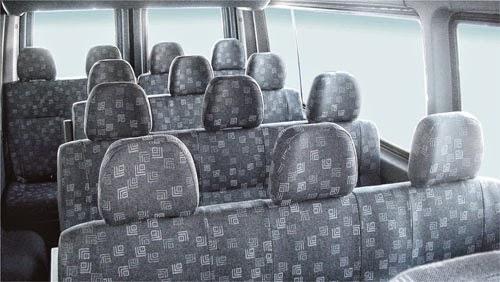 xe 16 chỗ với nội thất sang trọng