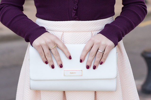 Outfit Inspiration // White DKNY fold over clutch  // Pretty Little Details fashion & lifestyle blog