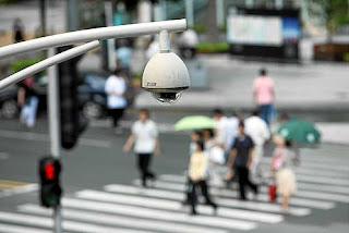 http://1.bp.blogspot.com/-A8tTrncfU7o/ToR-UPHqA5I/AAAAAAAAIdY/FVGBw5MoiCc/s1600/camara-de-seguridad.jpg