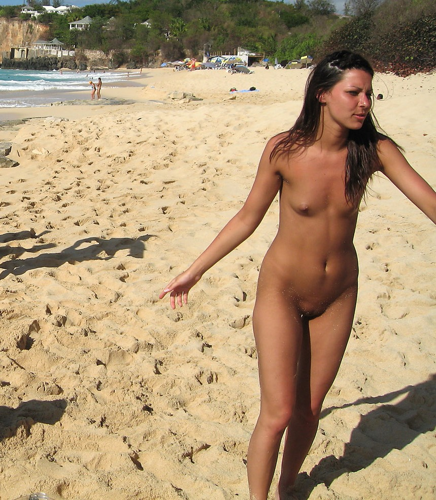 Pussy Lips Exposed Beach Voyeur Nipples Small Naked