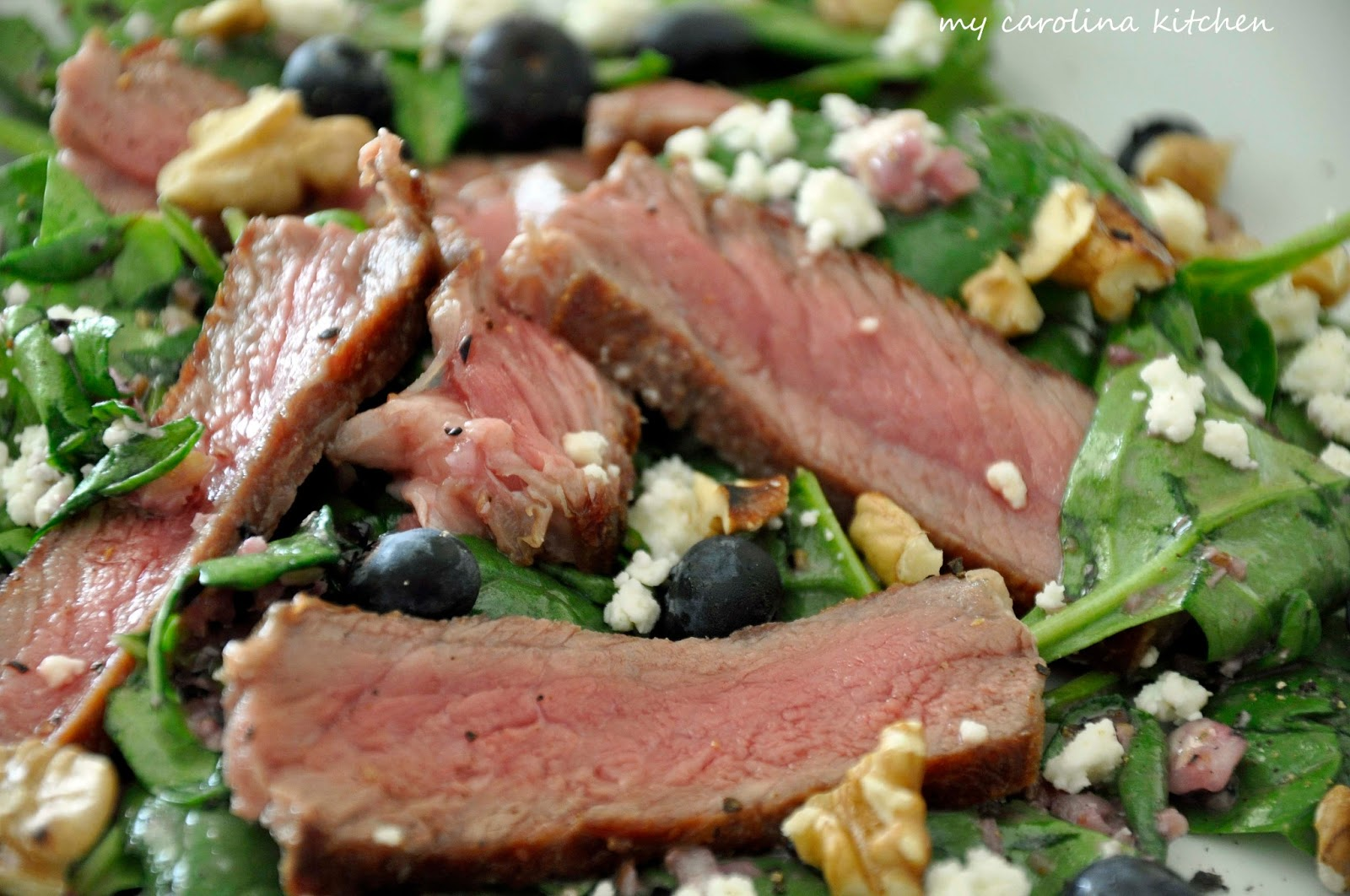 Steak Salad with Spinach, Blueberries & Toasted Pecans