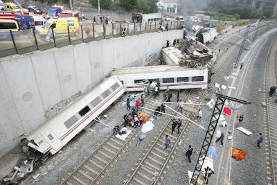 56 fallecidos en el accidente de Tren en España (Santiago de Compostela) Imágenes + Video